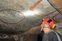 Rome Catacombs Tour: Archaeologist for a day