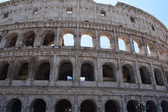 Rome 3-hour:Small Group Skip the Line Colosseum and the Gymnasium of Gladia