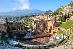 Taormina Walking Tour with Greek Theatre Visit