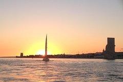Imagen Tejo-Bootstour bei Sonnenuntergang in Lissabon