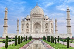 Taj mahal tour from Delhi Airport with All Inclusive Meals And Monument Fees Private Car Transfers