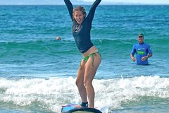 Imagen Experience The Thrill Half Day Surf School in Byron Bay