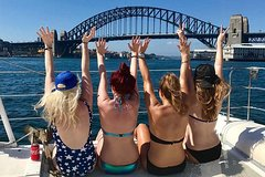 Imagen Explore Sydney's Harbour Beaches by Boat Including Lunch