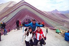 Imagen Rainbow Mountain With Red Valley and Private Guide