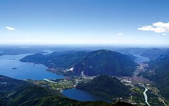 VIP Helitour: Flight over the Northern Lakes - 50 min Flightseeing Tour with lunch from Milan