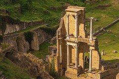 San Gimignano & Wine Private Tour from Livorno