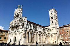 Pisa, Lucca and Tuscany Private Tour from Livorno