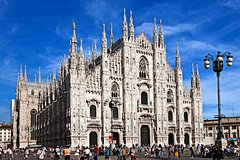 Milan: 2-Hour Duomo Cathedral to Sforza Castle City Tour