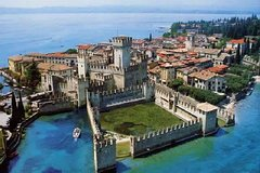 Sirmione and Lake Garda Small Group Tour from Verona