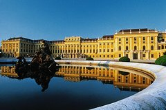 Skip-the-Line Schoenbrunn Palace and Vienna Highlights Private Tour