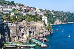 2-Night Sorrento and Capri Tour Including Private Round-Trip Transfer from Naples