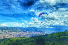 Imagen Paragliding in Medellin: A Breathtaking and Safe Local Experience