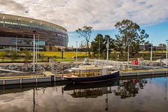 Imagen Swan River Cruise and Optus Stadium Guided Tour