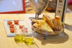 Organic Olive Oil tasting and learning
