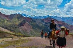 Imagen Rainbow Mountain Ride Horse