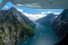 Imagen Milford Sound Glacier Flight & Cruise from Wanaka