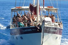 Imagen 2-Day Whitsundays Sailing Adventure: SV Whitehaven