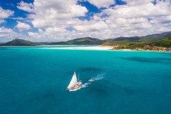 Imagen 2-Day Whitsundays Sailing Adventure: Summertime