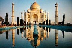 Full Day Taj Mahal & Fatehpur sikri Tour from Delhi by Car