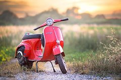 Self-Drive Vintage Vespa Tour with Wine Tasting from Florence