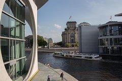 Imagen Croisière touristique à la découverte des points forts de Berlin avec café et gâteau