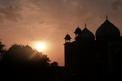 Overnight Taj Mahal Tour by Car