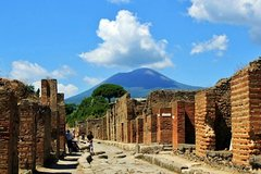 Day Trip to Pompeii Ruins & Mt Vesuvius