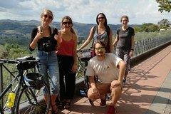 Ver la ciudad,City tours,Salir de la ciudad,Excursions,Salir de la ciudad,Excursions,Salir de la ciudad,Excursions,Visitas en bici,Bike tours,Excursiones de un día,Full-day excursions,Excursiones de más de un día,Multi-day excursions,Excursiones de más de un día,Multi-day excursions,Excursión a Toscana,Excursion to Tuscany,Excursión a Siena,Excursion to Siena