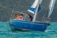 Imagen Whitsundays Sailing Experience on America's Cup Yacht Southern Cross
