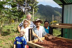 Imagen San Francisco Day Trip from Medellín: Chocolate Tour and Workshop