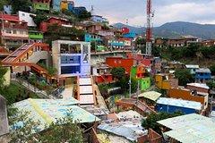 Imagen Private Tour: Medellin Graffiti Experience