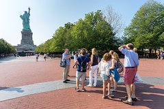 Essential Statue Tour with Statue of Liberty Pedestal Tickets