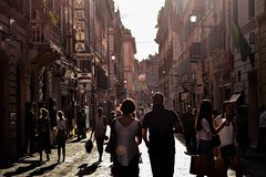 Naples: 2-Hour Walking Tour with Food Tasting Experience