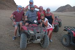 Activities,Adventure activities,Adrenalin rush,Desert 4WD safari,Safari en Quad