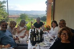 Wine and food tasting in Assisi in a Organic Winery