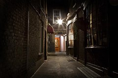 Imagen 2,5-hour Jack the Ripper Walking Tour