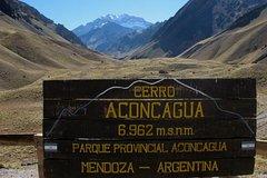 Imagen Excursión de senderismo en el monte Aconcagua hasta Confluencia desde Mendoza