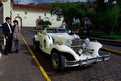 Imagen Cusco Romantic Escape: 2 hours Vintage Excalibur Car Tour in Cusco