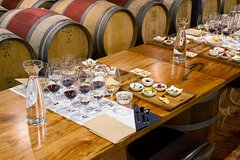 Imagen Cape Mentelle Behind The Scenes Tour with Food & Wine Pairing