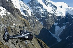 Activities,Air activities,Adventure activities,Excursion to Milford Sound,Helicopter tour
