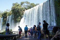 Salir de la ciudad,Excursiones de un día,Excursión a las Cataratas de Iguazú