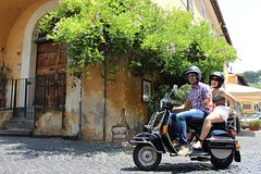 Secret Rome by Vespa private Tour