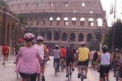 COMBO TOUR- WALK AND RIDE A BIKE- ANCIENT ROME: COLOSSEUM AND CARACALLA BAT