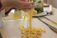 Private Tuscan Pasta Making Class and Dinner with a Local Expert in Florence