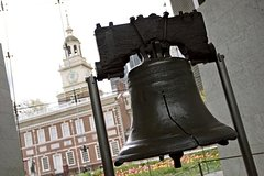 Private Philadelphia and Amish Country Day Trip from New York
