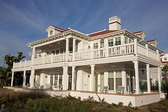 Private Hamptons Tour with Outlet Center Shopping