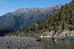 Imagen Private Tour: Waiatoto Jet Boat River Safari from Haast