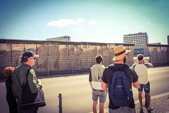 Imagen Visite en petit groupe à Berlin: attractions touristiques, histoire et récits du passé et du présent sur Berlin
