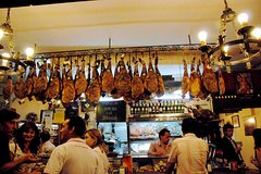 Imagen 2,5 Hour Private Guided Tapas Walking Tour in Seville