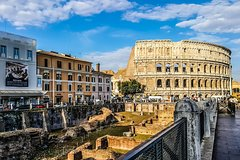 Private 4-Hour Tour of Colosseum & Rome Highlights with private vehicle & guide